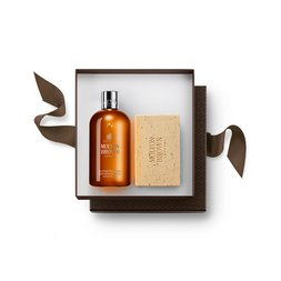 Molton Brown USA  Re-charge Black Pepper Bathing Gift Set