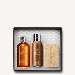 Molton Brown EU  Black Pepper Shower Gel, Deodorant & Scrub Bar Gift Set for Him